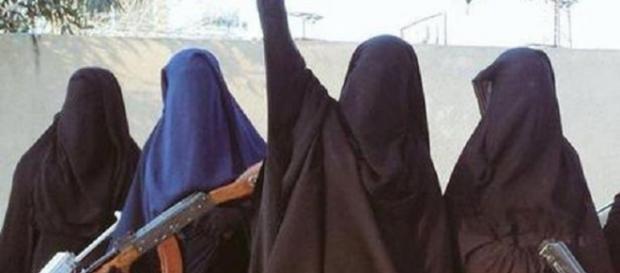 ISIS a elaborat un ghid al femeilor jihadiste