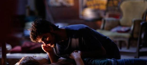 Noite de sexo entre Eliza e Jonatas