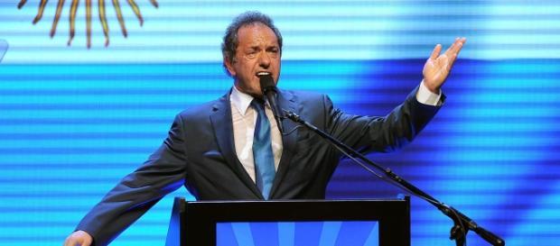 Scioli felicitó a Macri por el triunfo