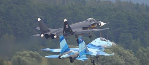Cazas Su-24 rusos en pleno despegue