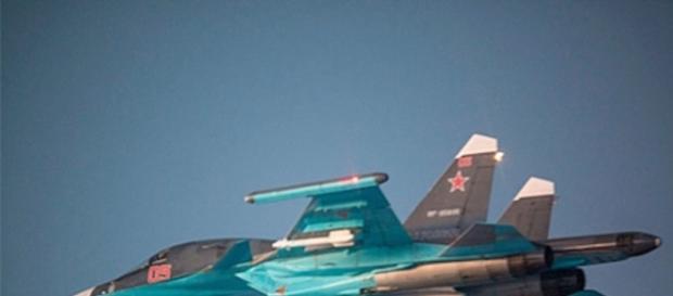Jet de combate ruso surcando los cielos.