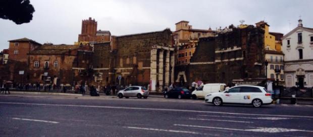 Nella foto Via dei Fori Imperiali a Roma