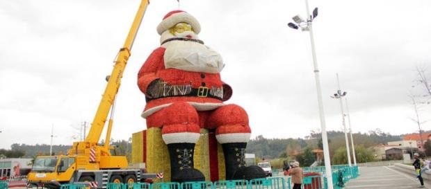 Pai Natal gigante estará concluído em poucos dias