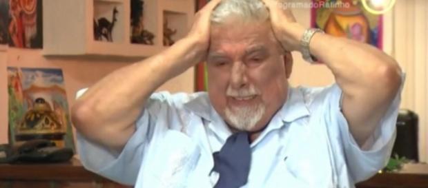 Professor Girafales chora ao falar de Chaves