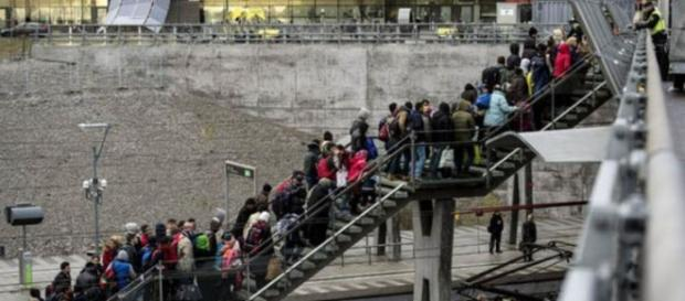 Refugees arriving in Sweden (photo: Reuters)