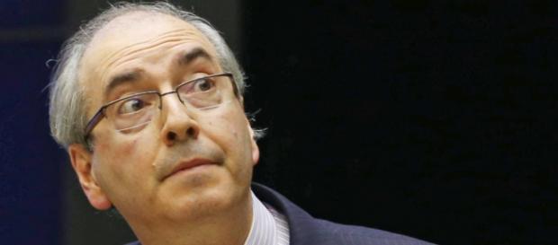 Cunha decide sobre o impeachment de Dilma