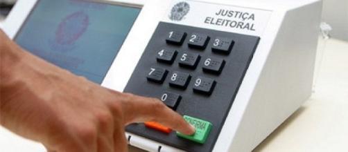 Brasileiros não votarão através de meio eletrônico