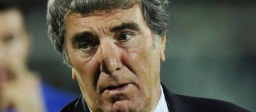 Dino Zoff, il leggendario portiere della Juventus.
