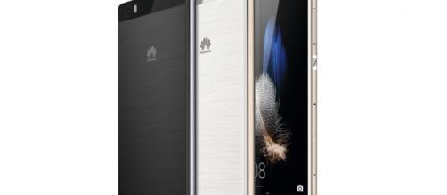 Huawei P8 Lite venduto in offerta da Unieuro
