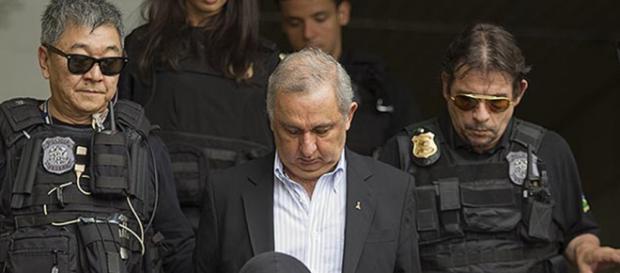 Amigo de Lula é preso e complica o PT