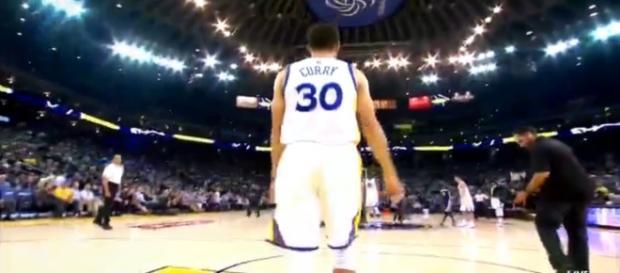Curry deleitó al público con otra gran actuación