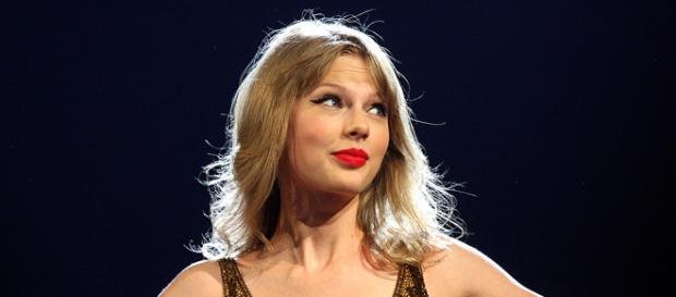 La cantante Taylor Swift durante una actuación