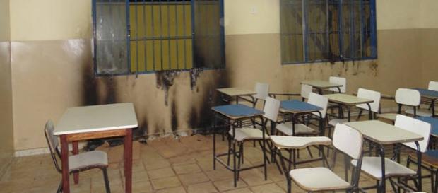 Vandalismo evidência descaso com a educação