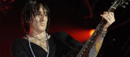Fortus tocará con Guns N' Roses y Dead Daisies