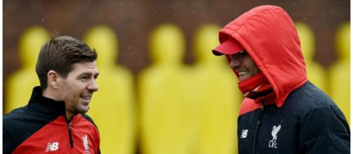 Gerrard chatting with Klopp this Monday morning