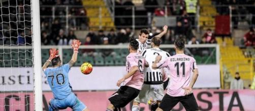 L'attaccante Mario Mandzukic in gol