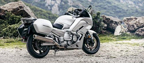 La nuova Yamaha FJR1300 my2016