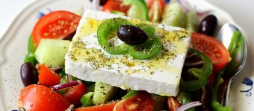 "Salada ""horiatiki"" ou salada grega tradicional"