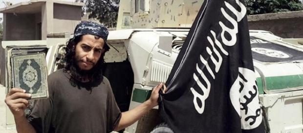 Abdelhamid Abaaoud, mentre della strage di Parigi