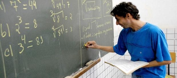 Contratação de professores no ES
