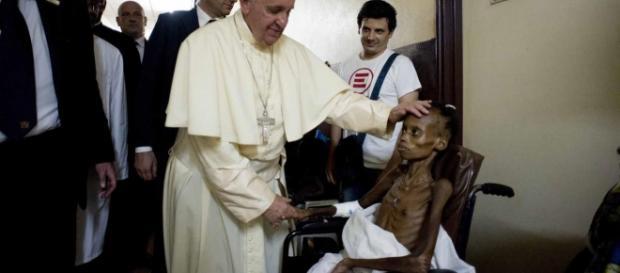 El sumo pontífice visitó un hospital pediátrico