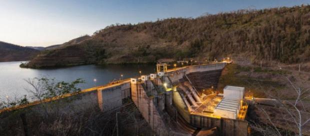 Esvaziamento de represa causa revolta na população