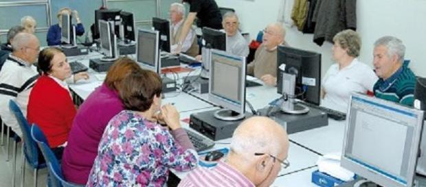Los mayores tienen un buen aliado en Internet