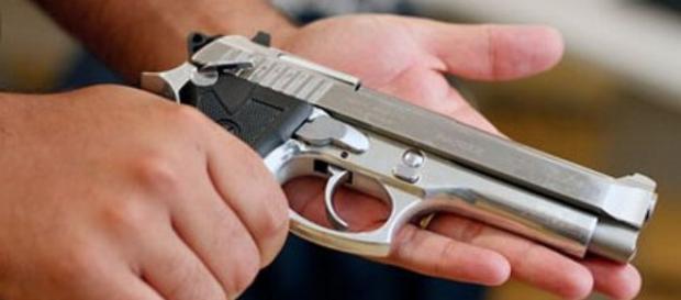 O porte de arma continua sendo algo midiático.