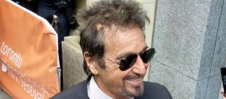 Pacino is struggling with his lines on set