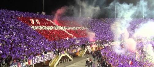 Tifosi della Fiorentina in una gara contro la Juve