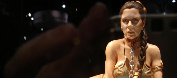Princesa Leia vistiendo el famoso bikini