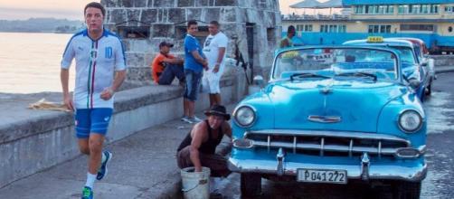 Il premier Matteo Renzi corre a Cuba