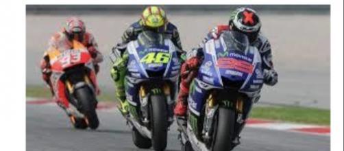 Moto GP a Valencia, le polemiche non si placano
