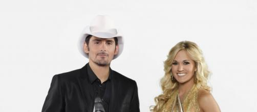 Paisely and Underwood Hostess the 2015 CMA Awards