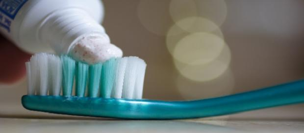 Cremes dentais clareadores funcionam?