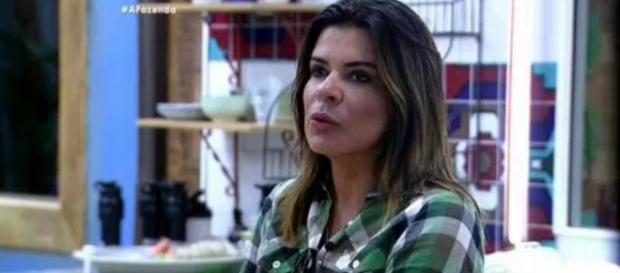 Quelynah ameaça agredir Mara Maravilha