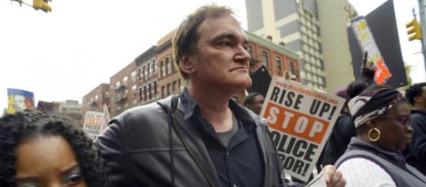 Tarantino critica a violência da Polícia.