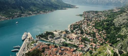 Kotor (Montenegro) en imagen de archivo