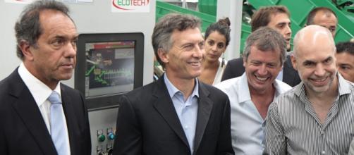 Macri y Daniel Scioli durante una inaugruación