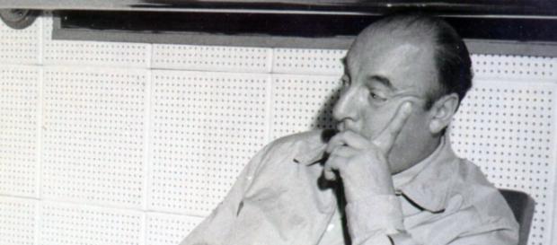 El poeta Pablo Neruda en el año 1956.