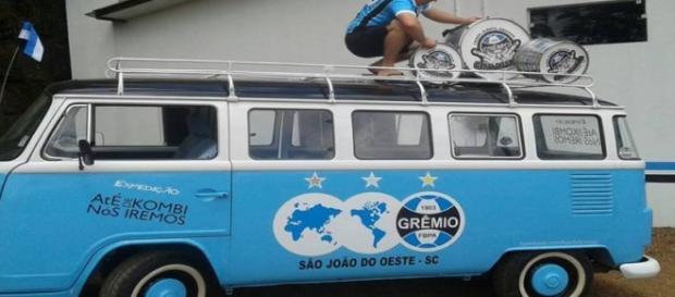 Torcedores foram de Kombi ver Grêmio e Flamengo
