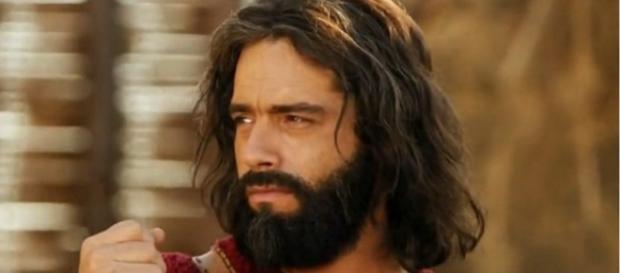 Moisés da Record está na mira da Globo