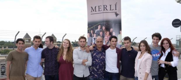 "Reparto de la serie ""Merlí"" con Francesc Orella."
