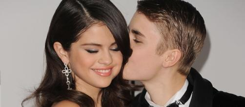 Justin Bieber ainda está apaixonado por Selena.