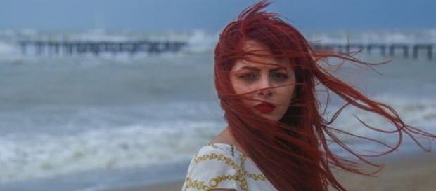A atriz iraniana sem o veu, Chakameh Chamanmah