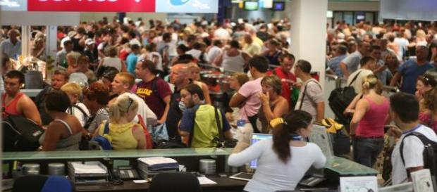 Evacuation of tourists continues from Egypt.