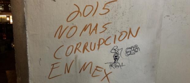 Pintada en contra de la corrupción en México