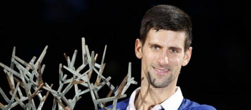Djokovic con el título en París-Bercy