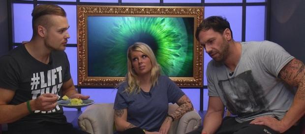 Big Brother: Sharon und Atchi machen blau.