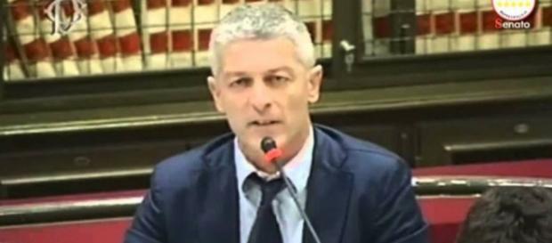 Morra risponde piccato a Salvini e Berlusconi